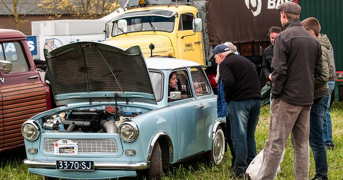 Tractoren Woonwagens Stationaire motoren Legervoertuigen Auto's & Vrachtauto's • 09-02-2018
